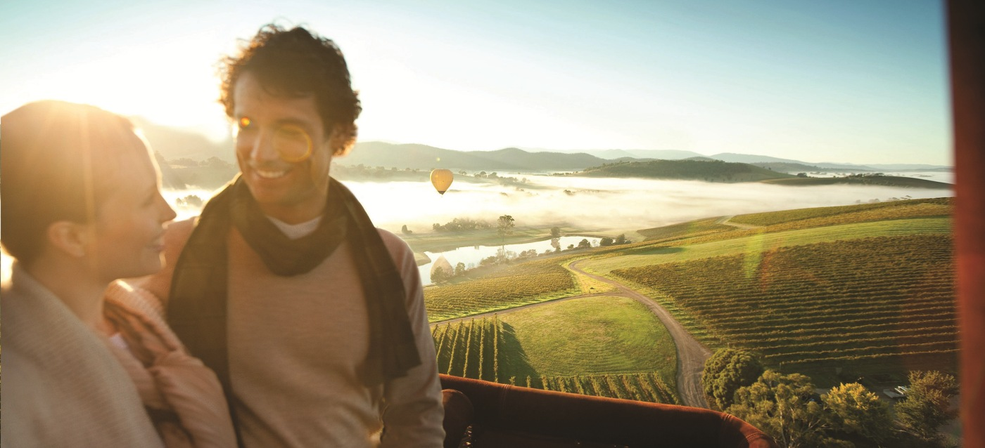 Global Ballooning (Slider) - Yarra Valley People - visionsofvictoria1350626-305